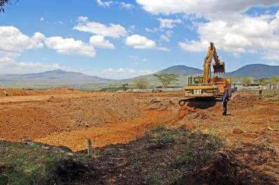 Excavation works on the primary treatment pond, one of three large ponds which will receive raw effluent from the Hospital and Kijabe community and treat it until it is clean enough to safely discharge to the environment.